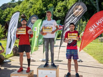 Podium Cozia Mountain Run